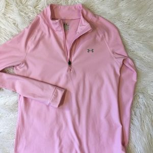 Under Armour pink top EUC small